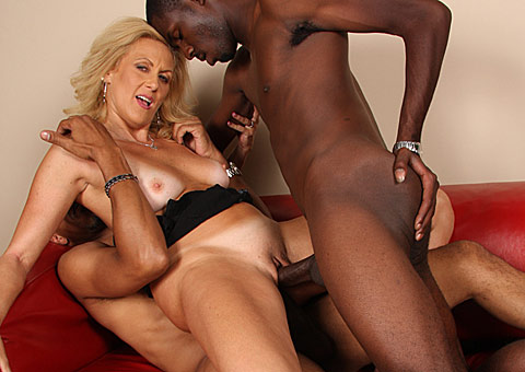 lusty mature gets double penetrated by huge cocked black studs from Blacks on Cougars