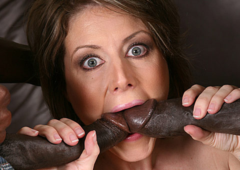 mature pornstar gets double penetrated and anal creampied from Blacks on Cougars